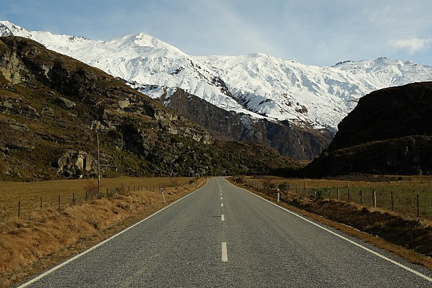 Mt. Aspiring Road leading to Treble Cone
