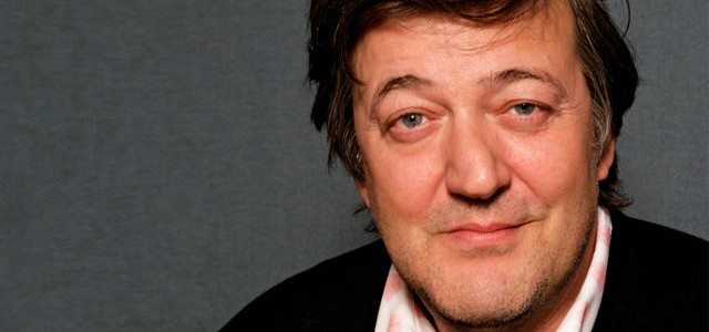 "Stephen Fry Discusses ""The Hobbit"" and Peter Jackson"
