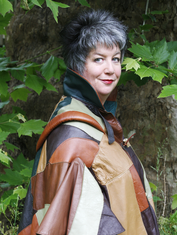 The Tolkien Society Announces Chloë of the Midnight Storytellers to Attend 'The Return of the Ring'