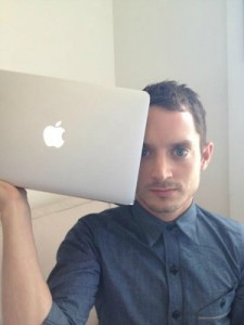 Elijah Wood Answers Questions From Fans